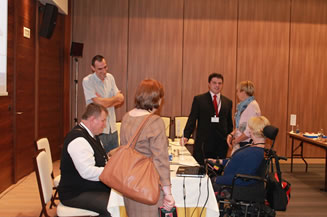 Image of the participants of the conference on independent living , organized by IC